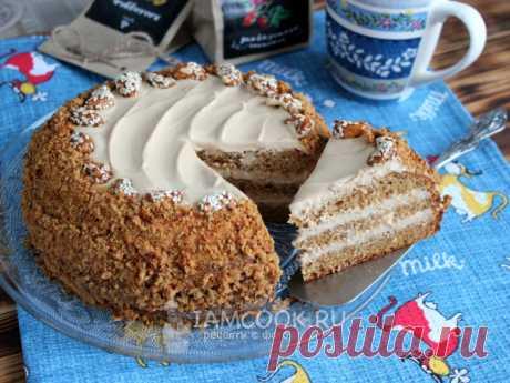 Карамельный торт — рецепт с фото Тесто для торта готовится на основе вареной сгущенки, выпекается одной заготовкой. Крем - из вареной сгущенки со сметаной. Просто и вкусно!
