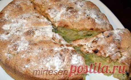 Шарлотка с ревенем - простой и вкусный весенний десерт