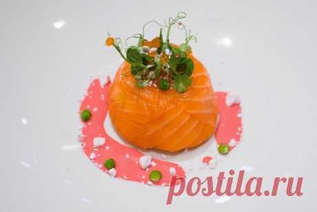 Оливье со слабосоленым лососем и яблоком рецепт – русская кухня: салаты. «Еда»