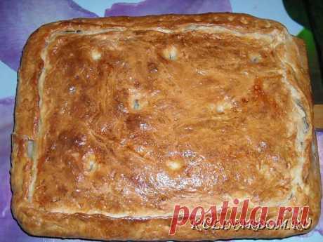 Выпечка пирога с картошкой и фаршем