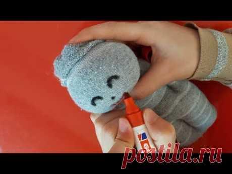 Изготовление малыша из носков. Без ножниц и очень просто