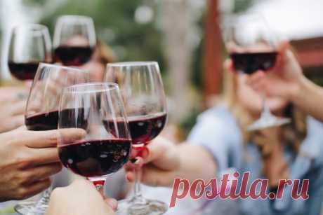 Умеренное употребление вина благотворно влияет на здоровье. Однако пользу можно получить только от качественного вина.