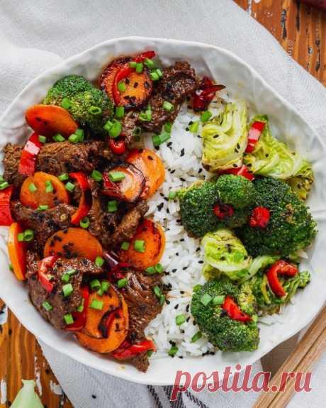 Говядина, маринованная в груше с хрустящими овощами