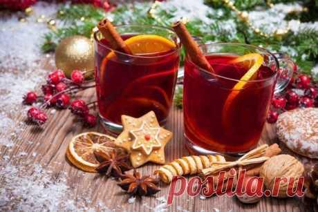 Рождественский рецепт глинтвейна Праздничные яства, в том числе и напитки – это всегда что-то более яркое, красивое и вкусное. Так и с глинтвейном: если вы делаете его для рождественского стола, то имеет смысл добавить больше пряностей и фруктов, чтобы у напитка получился более богатый и разносторонний букет, нежели обычно. По этому рецепту вы сможете сварить прекрасный рождественский глинтвейн с добавлением двух видов фруктов и множества специй, а также меда. Получается очень ароматный,…
