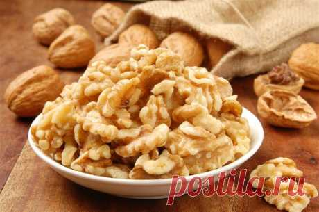 Как хранить грецкие орехи (в скорлупе и очищенные) и чистить их разными способами Польза грецких орехов. Какие орехи подходят для хранения. Разные способы хранения. Как можно почистить орехи. Рекомендации относительно чистки и хранения.