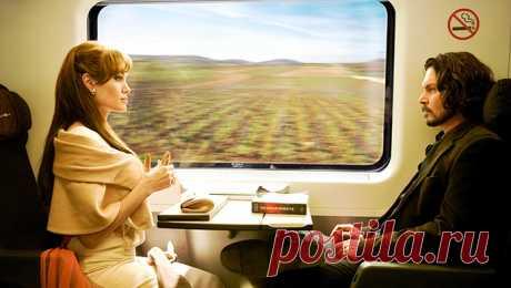 Хочется, чтобы в жизни такое случалось гораздо чаще… Нежное стихотворение, звучит как музыка: Она сидела у окна, А он вошел в вагон. — Женат, — подумала она. — Лет тридцать пять, — подумал он. А за окном цвела весна, Был мир прекрасен, словно сон. — Красив, — подумала она. — Как хороша, — подумал он. Но жизнь для счастья не дана. Он встал и вышел на перрон. — Как жаль! — подумала она. — Как жаль! — успел подумать он. А дома, сжав бокал вина, Включив любимый «Вальс-Бостон», — Одна, — подумала…