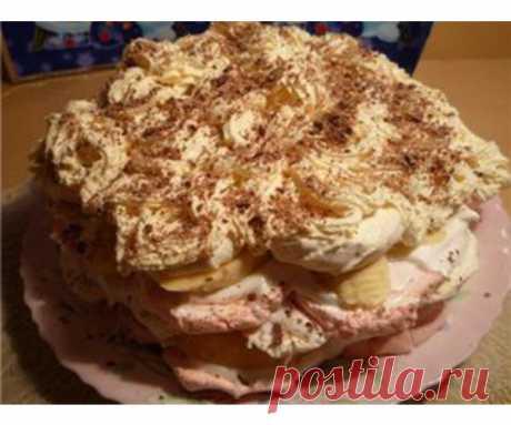 Торт из зефира с фруктами  Торт можно украсить аэрозольными сливками.  Ингредиенты  зефир600 г сметана600 г апельсины4 шт. бананы3 шт. арахис120 г ванильный сахар1 пакетик вафельные пласты2 шт. шоколад кокосовая стружка…