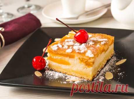 Персиковый пирог с творожным кремом