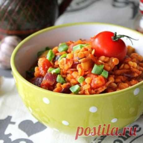 Рецепт чечевицы с луком и помидорами / Меню недели