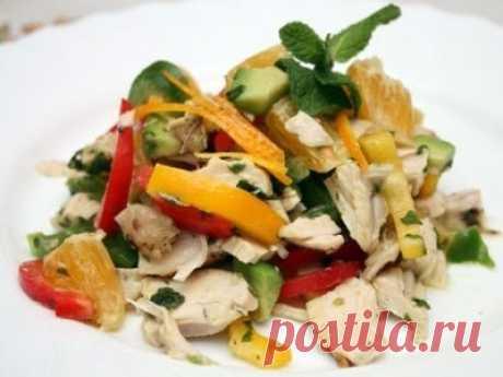 Салат из авокадо с куриным мясом. Вкусный и яркий