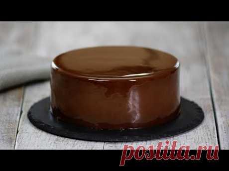 El glaseado de chocolate de espejo