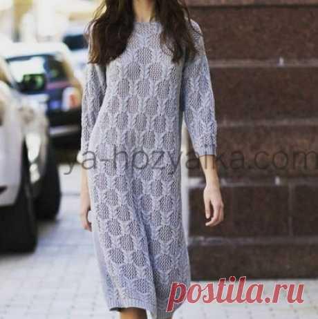 Платье спицами в городском стиле. Схемы на сайте https://ya-hozyaika.com/vyazanie-spitsami/plat-ya-tuniki/plate-spicami-2020/