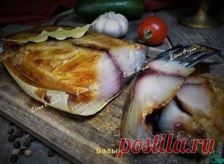 БАЛЫК ИЗ СКУМБРИИ на приготовление.Можно взять скумбрию или ей подобную рыбку.  Итак--почистить рыбку и разрезать на 2 филе,хорошо промыть и хорошо обсушить бумажными салфетками.  Приготовить посолочную смесь:2 ст.л. соли,1 ст.л. сахара,1 ч.л. сухой горчицы и немного чёрного молотого перчика--этого хватит на 1 кг рыбки