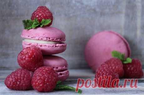 «Не жизнь, а малина!» Пять легких десертов из полезной ягоды 16 августа на Руси отмечали Малинник – праздник в честь одной из самых вкусных и полезных ягод.