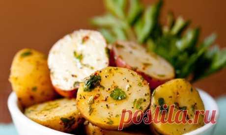 Вкуснота! Молодой картофель в горчично-медовом соусе — Едим дома