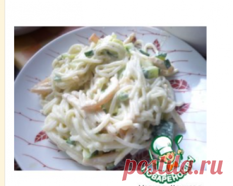 Салат с кальмаром и рисовой лапшой – кулинарный рецепт