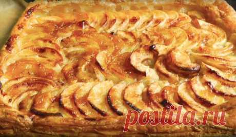 Слоеный пирог с яблоками и венецианским шармом | ChocoYamma | Яндекс Дзен Если вы еще не придумали, чем угостить семью во время вечернего чая, предлагаю голову не ломать, а испечь довольно простой и восхитительно вкусный слоёный пирог с яблоками.