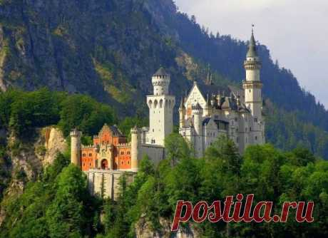 Surprising Neuschwanstein Castle - the lock of imaginations of the mad king