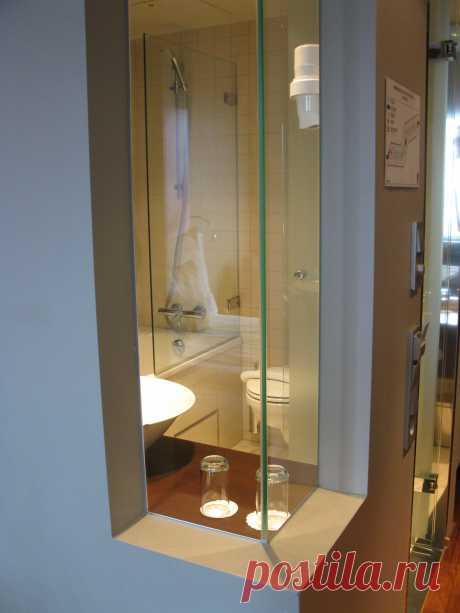 Норвегия. Берген. Туалет в 2-местном номере. Прозрачные стены...