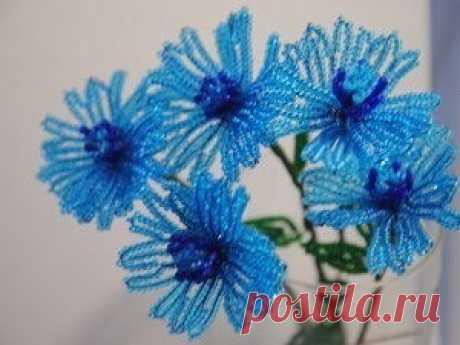 Голубые васильки из бисера — Сделай сам, идеи для творчества - DIY Ideas