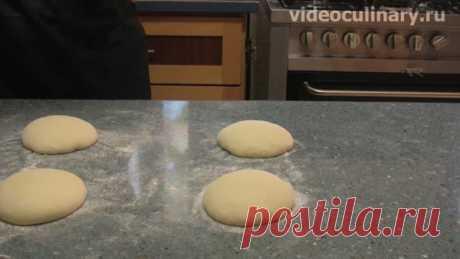 """Тесто для пиццы – настоящий рецепт от Видео Кулинарии Итальянцы говорят """"Хорошее тесто для пиццы долго готовится и быстро печётся"""". Видео и Фото Рецепт именно такого теста предлагают Бабушка Эмма и Даниэла"""