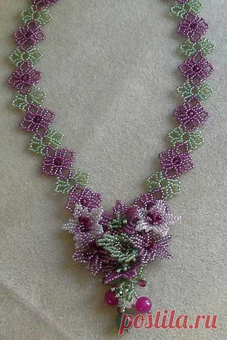 Волшебное сочетание цепочки Сандры Халпенни и малюсеньких цветочков