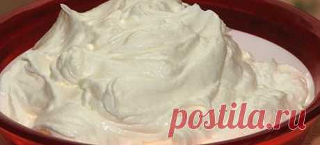 Крем для любой выпечки, словно мороженное Ингредиенты: сметана — 500 граммов. Сметану лучше брать жирную. Идеально — домашнюю сахарный песок — 180 граммов масло сливочное размягченное — 250 граммов лимонная цедра яйца куриные — два яйца мука пшеничная — три столовых ложки ванильный сахар — один стандартный пакетик Приготовление...