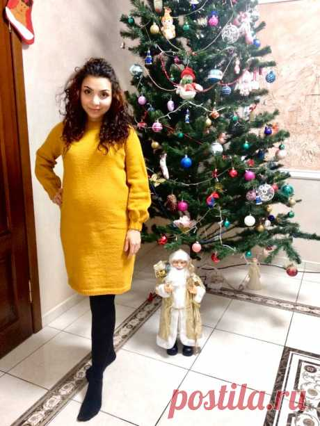 Платье туника спицами женское никогда не потеряет своей актуальности и всегда будет популярным изделием в женском шкафу. Модную тунику спицами очень удобно носить, особенно, когда хочется, чтобы одежда была более свободной и не стесняла движений. Платье туника спицами правильный выбор для беременных женщин и будущих мамочек. К тому же, еще одно достоинство данного платья его можно носить и зимой.