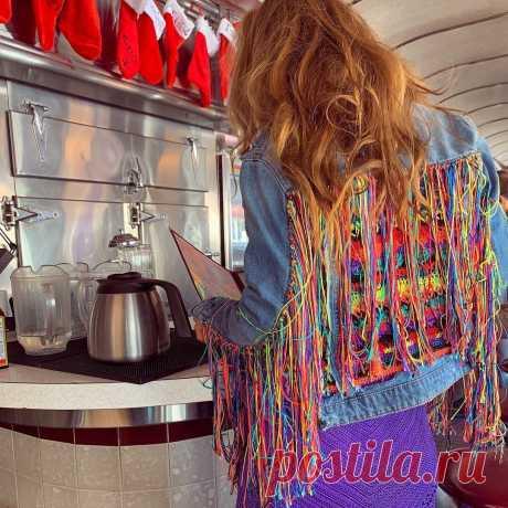 Ванесса Монторо. Веселые джинсовые курточки с вязаными вставками.   Вяжем крючком с Ольгой Ингрией   Яндекс Дзен