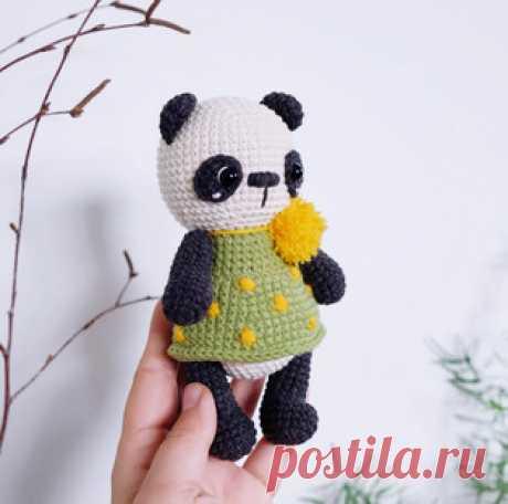 Панда амигуруми. Схемы и описания для вязания игрушек крючком! Бесплатный мастер-класс от Марины Чучкаловой по вязанию панды крючком. Высота вязаного медведя примерно 16 см. Для изготовления игрушки автор использо…