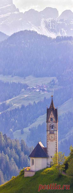 Santa Barbara, Alto Adige, Italy | Italia beckons like no other...
