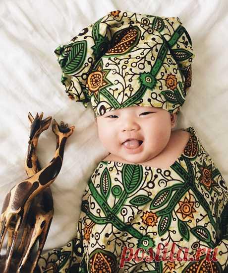 Пока ребенок спит, мама устраивает его костюмированные фотосеты