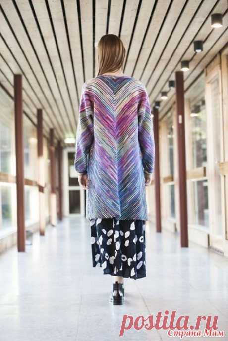. Модная модель женского пальто в полоску из остатков пряжи - Вязание - Страна Мам