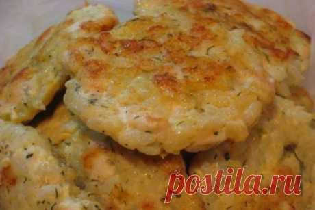 Сочные рубленные котлеты с рисом и перцем: гарнир и мясо в одном блюде!