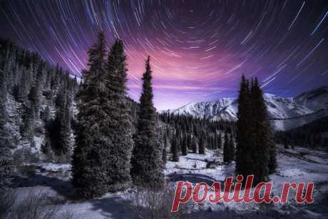 Ноябрьская ночь в Большом Алматинское ущелье. Автор фото – Ольга Кулакова
