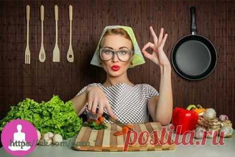 Как меньше есть: 10 советов   1. Принимать пищу нужно в тишине  Проведенные недавно исследования показали, что люди, которые принимают пищу при включенном телевизоре или под музыку, увлекаются и съедают больше. Также с подобным «развлечением» во время еды гораздо сложнее побороть желание съесть что-нибудь жирное или сладкое. Показать полностью…