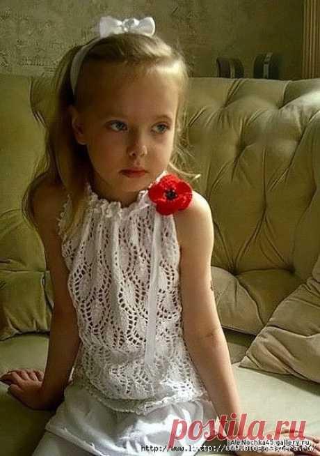 ¡Hermoso blanco chiné top para la muchacha de 5-6 años!