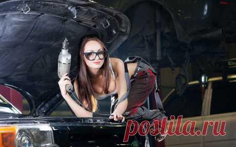 В автосервисе - только Дамы! Здесь можно и машину подшаманить, и стрижку сделать | Новостной портал foto-elf: свежие новости России и мира