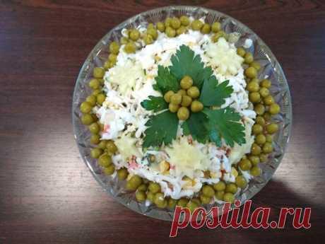 Новогодний салат с крабовыми палочками - Простые рецепты Овкусе.ру
