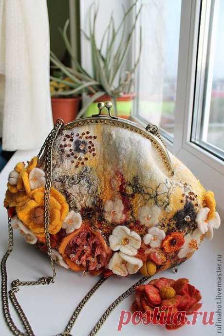 Сумка валяная. Цветочная россыпь - сумка,женская сумка,валяная сумка,желтый | felted 3D, vessels, hats and bags | Purses, Flower and Felted Bags