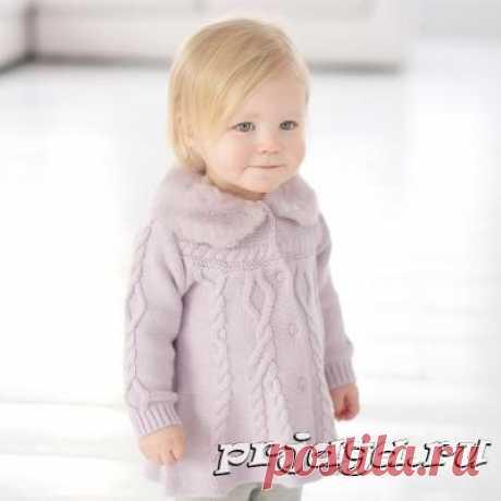 Чудесное пальто для девочки спицами