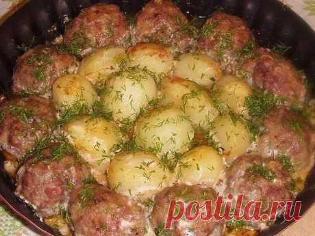 Котлетки с картошкой в сметанно-томатном соусе! | Школа вкуса — Школа вкуса