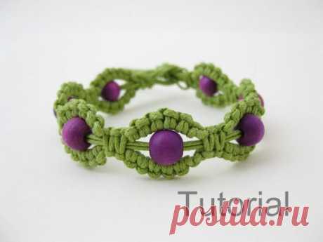 Macrame bracelet instructions pattern pdf tutorial green and purple makrame tutoriel step by step jewelry photo diy how to beginner beads