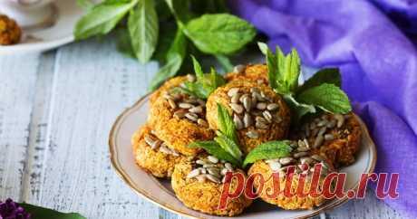 Морковное печенье выгодно отличается от прочей домашней выпечки полезным составом и великолепными вкусовыми свойствами.