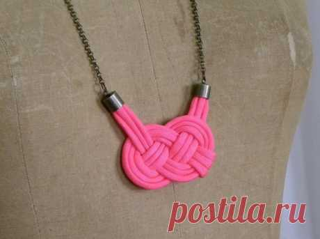 Necklaces from sea knots