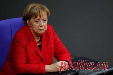 Сравнение Меркель с Гитлером стоило поста мальтийскому дипломату