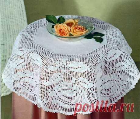 Скатерть с большими розами Вязаная крючком филейная скатерть с большими розами. Схема