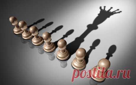 """10 видов лидерства в организации   Журнал """"JK"""" Джей Кей Большинство бюрократических лидеров достигают желаемой должности благодаря умению приспосабливаться к правилам и придерживаться их, а не благодаря своей квалифицированности или опыту. Это может негативно сказаться на авторитете лидера, поскольку члены команды перестанут ценить его советы и его самого как лидера в целом..."""