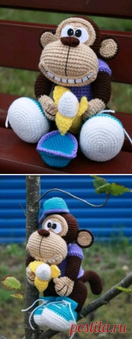 Вязаная обезьянка по авторской схеме Стейси