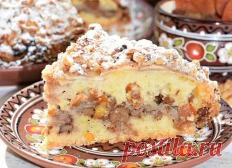 Пирог «Восточная сказка» — сводит с ума своим ароматом Хрустящая ореховая корочка, рассыпчатое тесто и необыкновенно вкусная начинка из нежнейших яблок, ароматной кураги и изюма. Это нужно пробовать! Угощайтесь😋